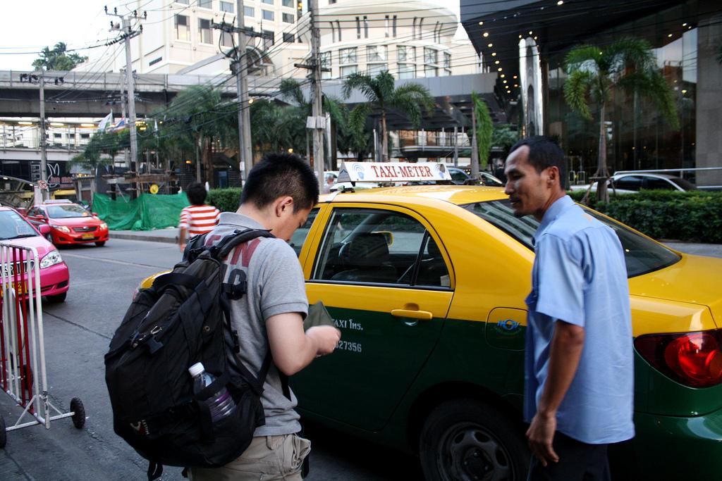 タイ旅行でバンコクのタクシーに乗る時の注意点