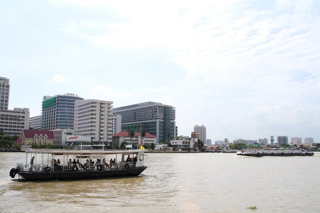 タイ旅行でバンコクの船に乗る方法