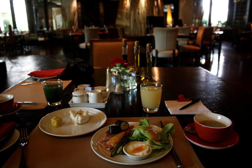 デュシタニホテルの朝食バイキング