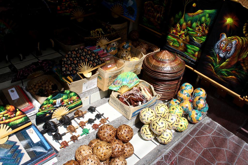 バンコク旅行でオススメのお土産はセパタクロボール