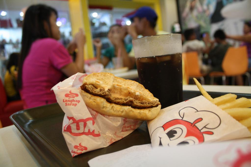 フィリピンのハンバーガー屋のジョリビー