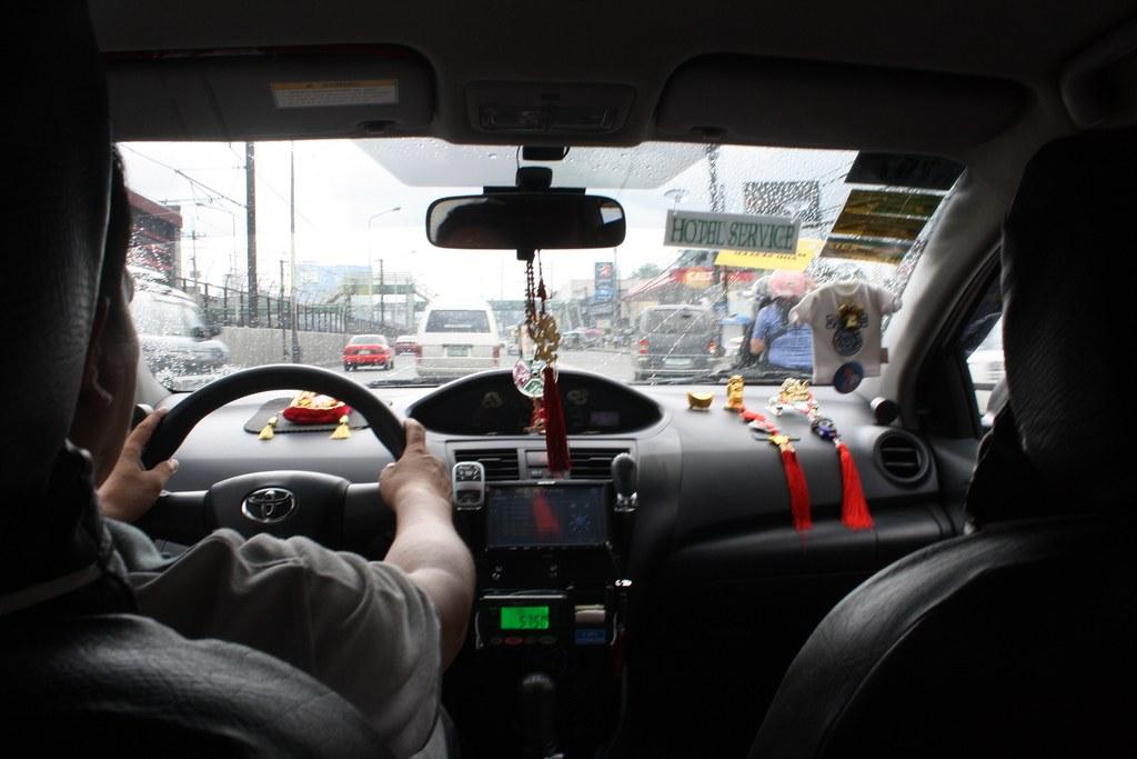 フィリピンのマニラのタクシーは面倒